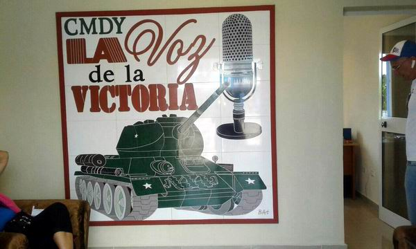 Reinauguran emisora local La Voz de la Victoria