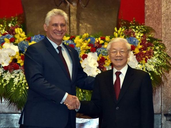 Cuban and Vietnamese presidents meet in Hanoi