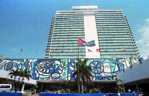 Des artistes de la plastique exposent dans l'hôtel Tryp Habana Libre