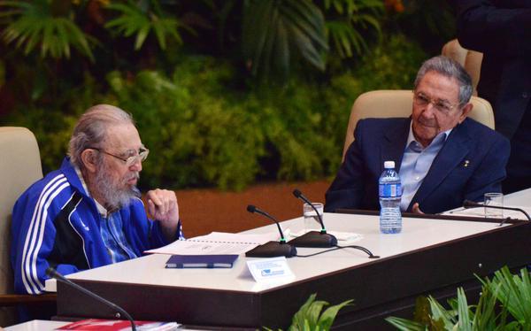 Fidel y Raúl en histórico Congreso del Partido (+Audios)