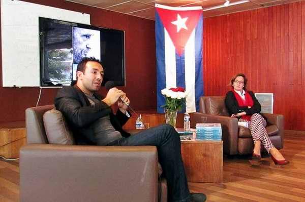 Presentan en la UNESCO libro Fidel Castro: héroe de los desheredados