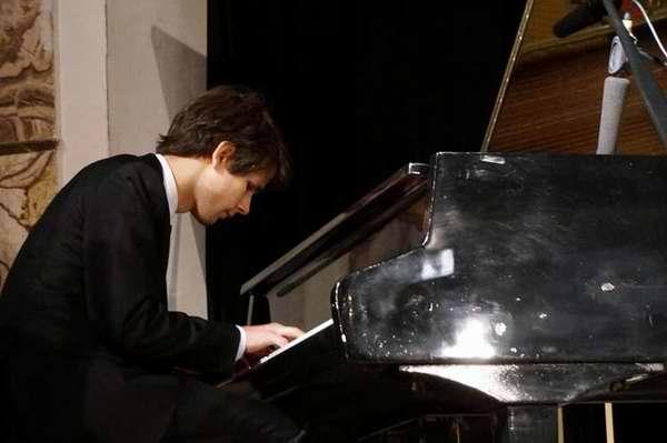 Actuará por primera vez en La Habana pianista polaco Jakub Kitowski