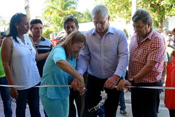 Valora Díaz-Canel recuperación citrícola en la Isla de la Juventud