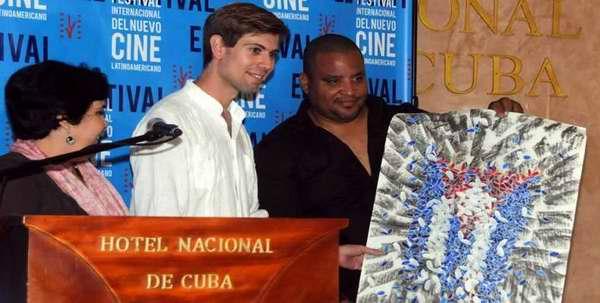 Entregan premios colaterales en Festival de Cine Latinoamericano