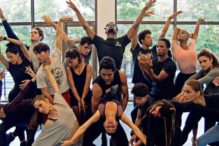 Compañía Acosta Danza destaca en Festival Internacional de Teatro Chejov