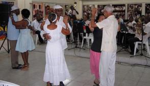 Bailar danzón al estilo del siglo XXI