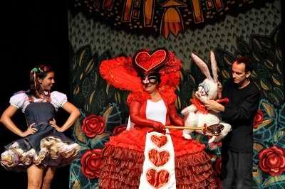 Obra sobre Lewis Carroll abre temporada de titiriteros cubanos