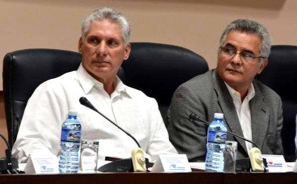 Asiste Miguel Díaz-Canel a clausura de simposio sobre la Revolución cubana   Foto: ACN