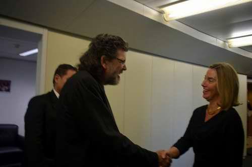 Jefa de la diplomacia europea recibe a Ministro de Cultura de Cuba