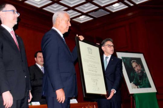 Universidad mexicana confiere Honoris Causa a Fidel Castro