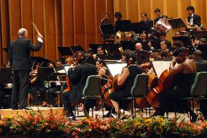 Orquesta Sinfónica Nacional dedica concierto a la Feria Internacional del Libro